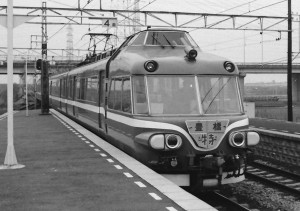 19830327-3