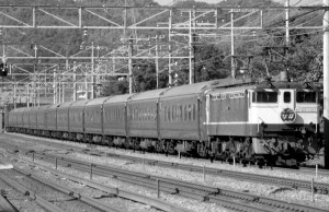 19870800-8