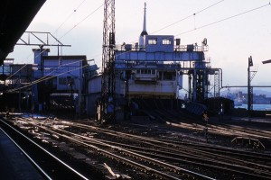 19880312-27